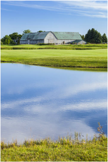 Shanahan's Barn, pond and golf course view